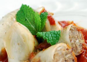 Món mực nhồi thịt với nước sốt cà chua